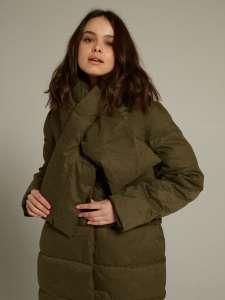 Зимнее пальто Imocean со съёмным шарфом-воротником (размер XS)