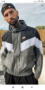 Серая мужская куртка Nike Heritage Essentials