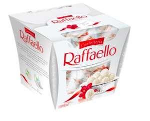 Конфеты Raffaello с цельным миндальным орехом в кокосовой обсыпке в упаковке 150 г