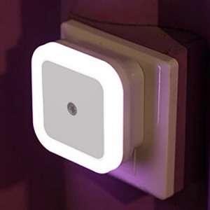 Ночной светильник c сенсором $0.7