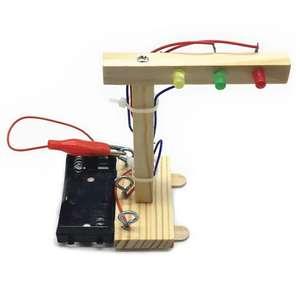 """Деревянный набор конструктор для детей """"Светофор"""" за 4,29$ и Самолет за 6,99$"""