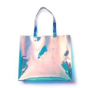 Голографическая сумка бесплатно при покупке от 3000₽